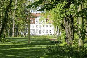 Schlosspark Gueldengossa mit Park